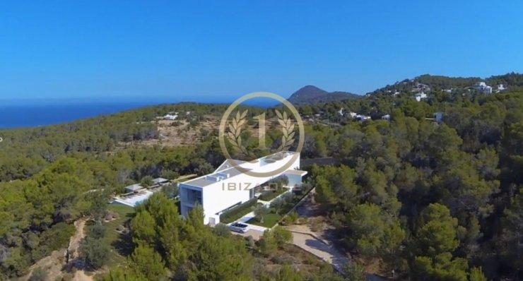 Luxuriöse minimalistische Designer-Villa