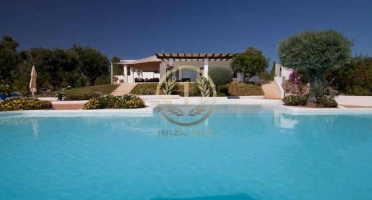 TASTEFUL FINCA CLOSE TO IBIZA
